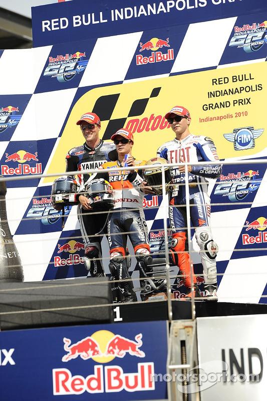 Podium: winnaar Dani Pedrosa, Repsol Honda Team, 2de Ben Spies, Monster Yamaha Tech 3, 3de, Jorge Lorenzo, Fiat Yamaha Team