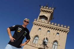 Colin Edwards, Monster Yamaha Tech 3 goes cycling and sightseeing