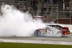 Sieger Tony Stewart, Stewart-Haas Racing Chevrolet