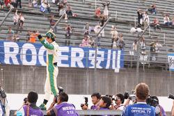 Takuma Sato, KV Racing Technology waves to his fans