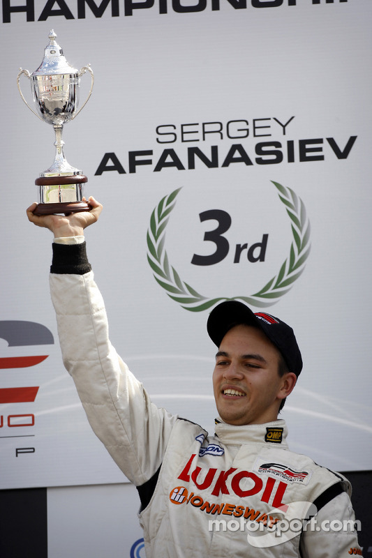 Sergey Afanasiev met trofee derde plaats