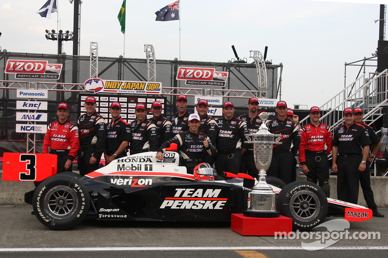 Race winnaar Helio Castroneves, Team Penske