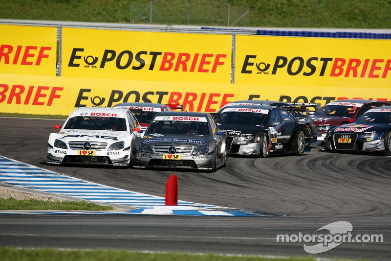 Start: Paul di Resta, Team HWA AMG Mercedes C-Klasse en Bruno Spengler, Team HWA AMG Mercedes C-Klasse