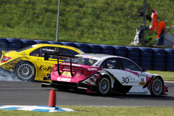 David Coulthard, Mücke Motorsport AMG Mercedes C-Klasse spint van de baan