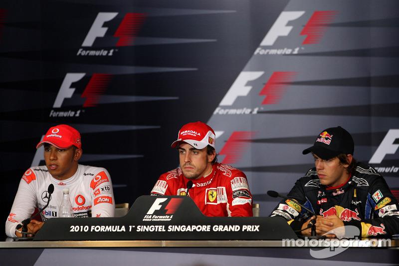 Polepositie Fernando Alonso, Scuderia Ferrari, 2de Sebastian Vettel, Red Bull Racing, 3de Lewis Hamilton, McLaren Mercedes