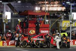 Pit stop for Jamie McMurray, Earnhardt Ganassi Racing Chevrolet