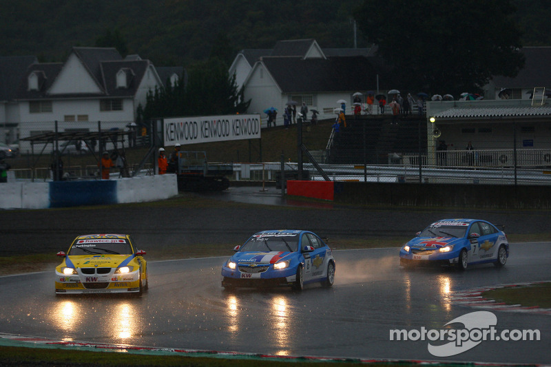 Colin Turkington, eBay Motors BMW 320si en Yvan Muller, Chevrolet, Chevrolet Cruze LT