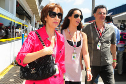 Viviane and Bianca Senna, mother and sister of Bruno Senna, Hispania Racing F1 Team