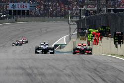 aNico Hulkenberg, Williams F1 Team and Lewis Hamilton, McLaren Mercedes