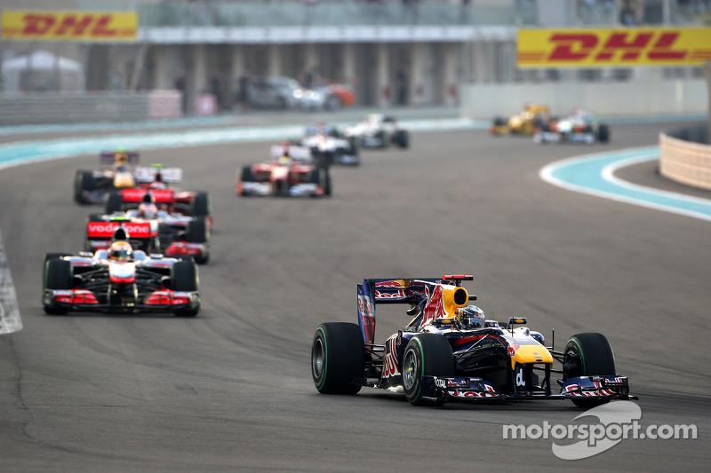 Sebastian Vettel, Red Bull Racing devance Lewis Hamilton, McLaren Mercedes