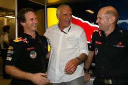 Christian Horner, Red Bull Racing, Sporting Director met Dietrich Mateschitz, Owner of Red Bull en Adrian Newey, Red Bull Racing, Technical Operations Director