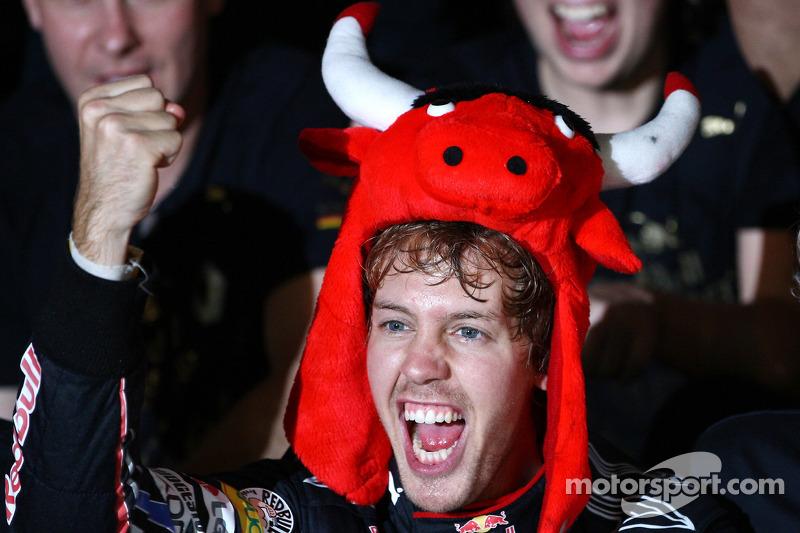 2010 - Vettel literalmente com um Red Bull