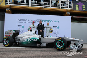 2011 early launch of Mercedes GP WO2