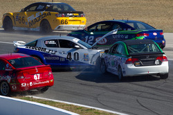 #42 LRT Racing Honda Civic SI: Jorge Leroux, Juan Leroux hits #40 Berg Racing Mazda RX-8: Robert Mitten, John Weisberg