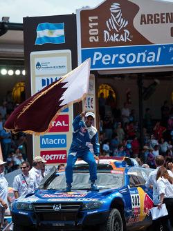 Podium : vainqueur de la catégorie voitures, Nasser Al Attiyah