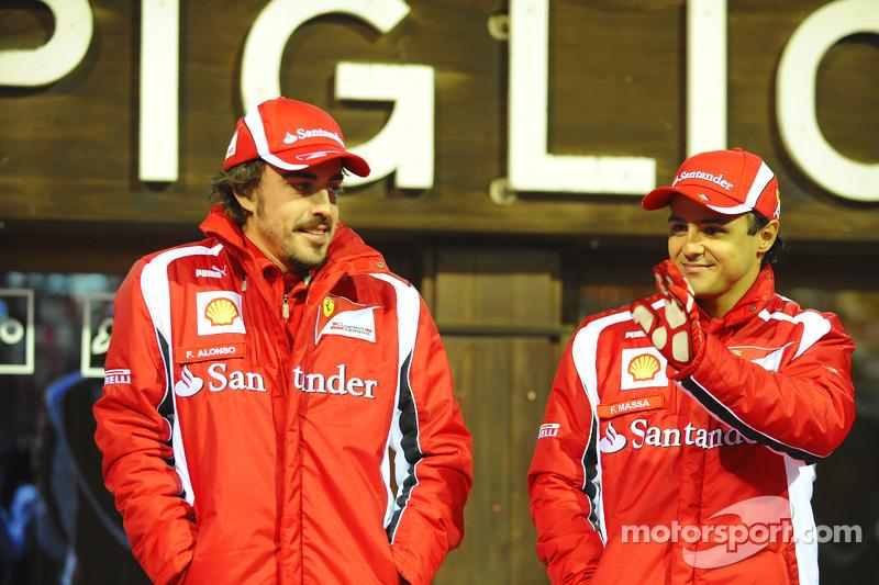 2011 - Ferrari - Fernando Alonso 257 X 118 Felipe Massa