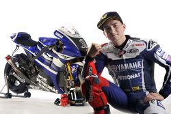 Jorge Lorenzo con la Yamaha YZR-M1 2011