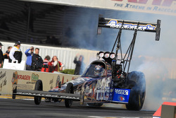 Antron Brown on his way to a number 1 qualifying position in his Matco Tools DSR Dragster