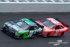 Jason Leffler, Chevrolet and Justin Allgaier, Tuner Motorsport Chevrolet