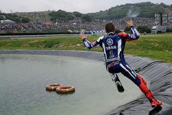 Jorge Lorenzo, Yamaha Factory Racing, fête sa victoire