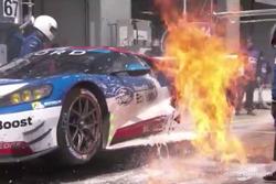 Feuer: #67 Ford Chip Ganassi Racing Team UK, Ford GT: Marino Franchitti, Andy Priaulx, Harry Tincknell (Screenshot)