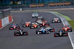 Start: Roy Nissany, Lotus leads