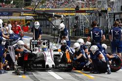 Felipe Massa, Williams FW38 in the pits