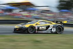 #9 K-Pax Racing, McLaren 650S GT3: Alvaro Parente