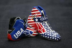 Le scarpe da gara a tema olimpico di Kurt Busch, Stewart-Haas Racing Chevrolet