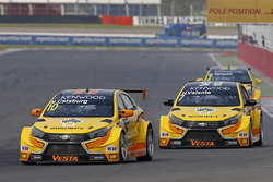Nicky Catsburg, LADA Sport Rosneft, Lada Vesta, Hugo Valente, LADA Sport Rosneft, Lada Vesta, Gabriele Tarquini, LADA Sport Rosneft, Lada Vesta en MAC3.