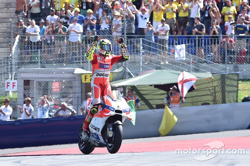 8. Андреа Янноне, Ducati. 9-те місце у турнірній таблиці, 112 очок, одна перемога.
