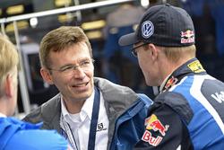 Dr. Frank Welsch, a Volkswagen fejlesztési tanácsának tagja, Jari-Matti Latvala, Volkswagen Motorsport