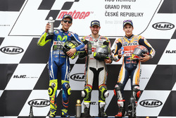 Podio: il vincitore della gara Cal Crutchlow, Team LCR Honda, il secondo classificato Valentino Rossi, Yamaha Factory Racing, il terzo classificato Marc Marquez, Repsol Honda Team