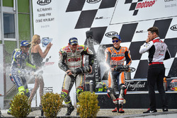 Podium: Sieger Cal Crutchlow, Team LCR, Honda; 2. Valentino Rossi, Yamaha Factory Racing; 3. Marc Marquez, Repsol Honda Team