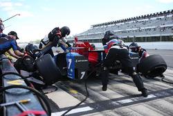 Михаил Алешин, Schmidt Peterson Motorsports Honda во время пит-стопа
