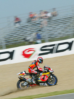 Colin Edwards, Aprilia Racing se sale de la pista