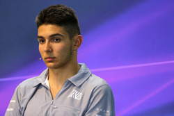 Эстебан Окон, Manor Racing на пресс-конференции FIA