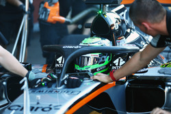 Nico Hulkenberg, Sahara Force India F1 VJM09, in pista con il dispositivo Halo