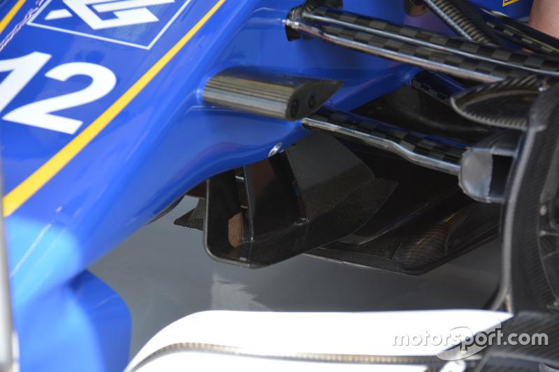 Sauber C35: Luftleitelemente unter der Nase