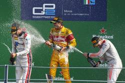 Podium: Sieger Antonio Giovinazzi, PREMA Racing; 2.  Raffaele Marciello, RUSSIAN TIME; 3. Gustav Malja, Rapax