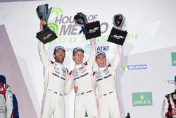 Ganadores #1 Porsche Team Porsche 919 Hybrid: Timo Bernhard, Mark Webber, Brendon Hartley