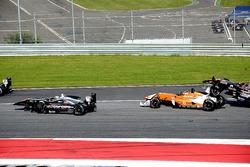 Antoni Ptak, RP Motorsport, Julio Moreno, Campos Racing and Kantadhee Kusiri, RP Motorsport crash