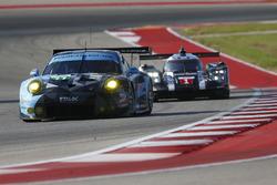 #77 Dempsey Proton Competition Porsche 911 RSR: Рихард Лиц и Микаэль Кристенсен, #1 Porsche Team Porsche 919 Hybrid: Тимо Берхард, Марк Уэббер и Брендон Хартли