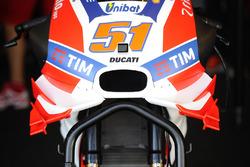Ducati-vleugels op de motor van Michele Pirro, Ducati Team