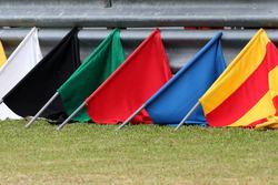Les drapeaux des commissaires