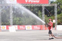 Kimi Raikkonen, Ferrari trains as a Malaysian firefighter