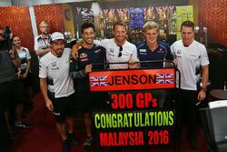 Jenson Button, McLaren celebrates his 300th GP with (L to R): team mate Fernando Alonso, McLaren; Daniel Ricciardo, Red Bull Racing; Jenson Button, McLaren; Marcus Ericsson, Sauber F1 Team; Stoffel Vandoorne, McLaren Test and Reserve Driver