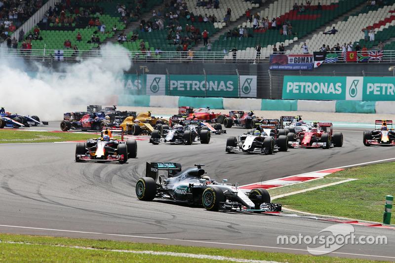 Primeros instantes del GP de Malasia