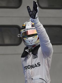 Поул-позиція Льюїс Хемілтон, Mercedes AMG F1