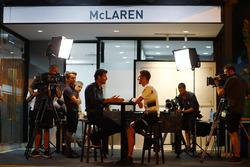 Дженсон Баттон, McLaren дає інтерв'ю Марку Вебберу